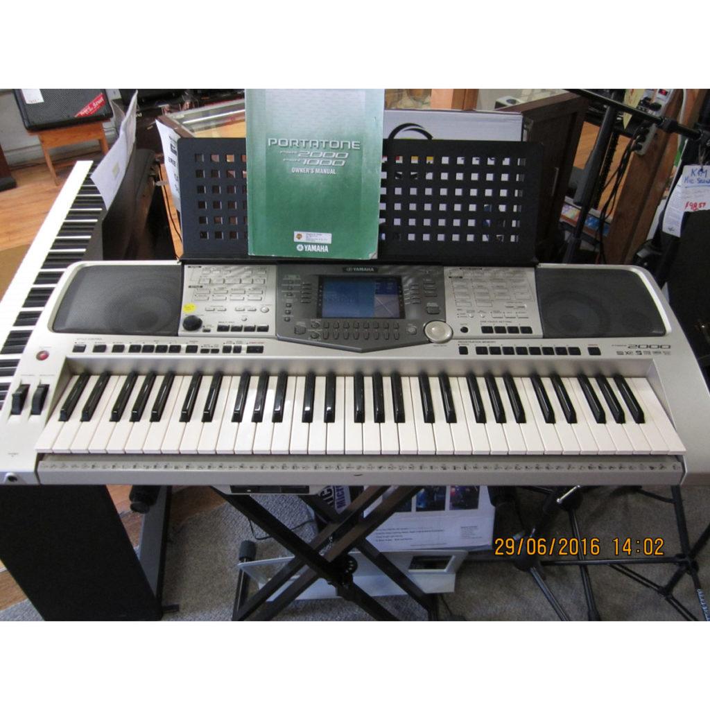 Yamaha PSR2000 Keyboard - SOLD